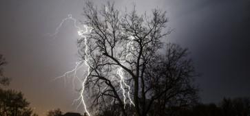 cropped-lightning-4.jpg